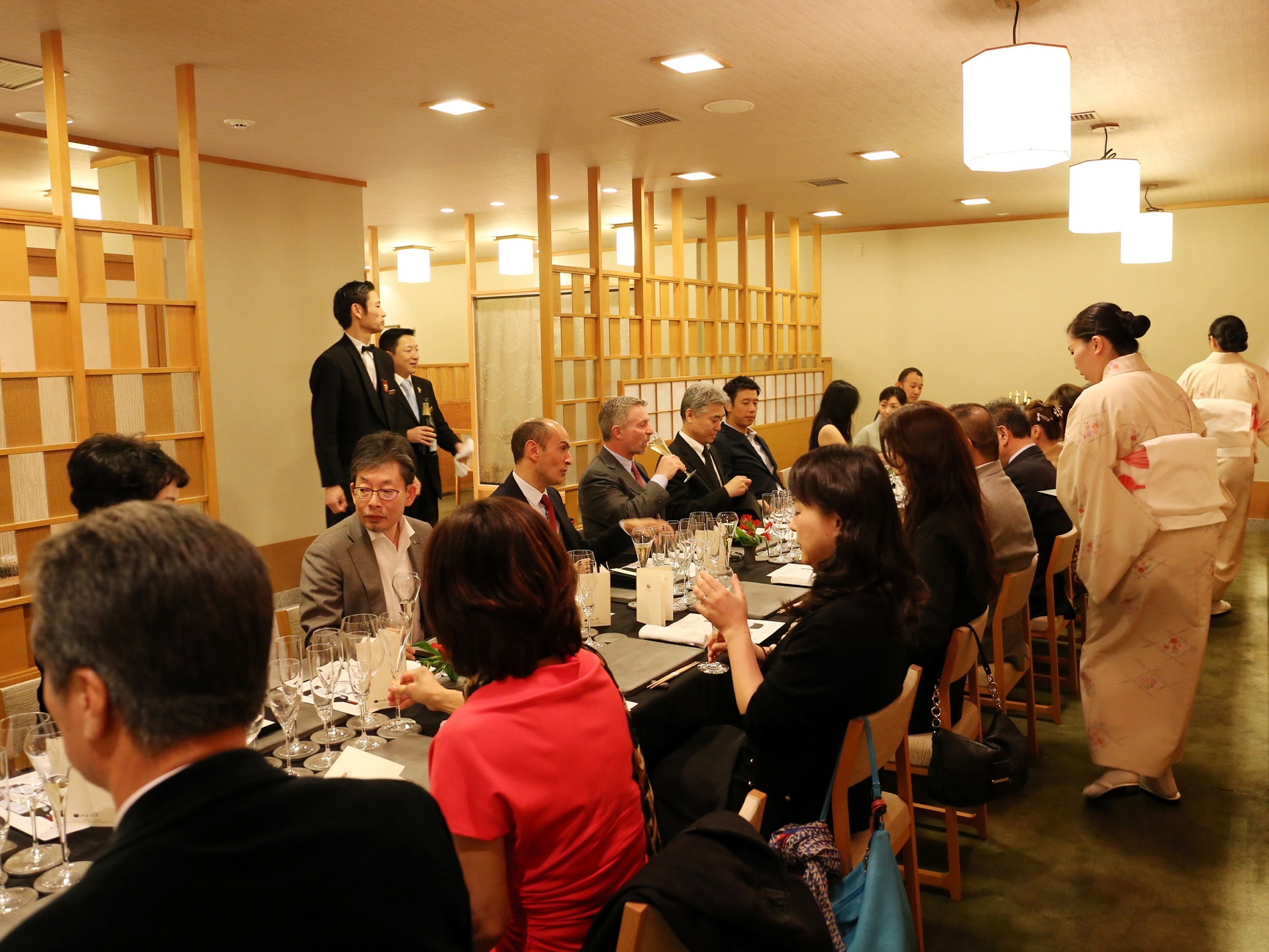 日本料理『阿那賀』でのサロンシャンパンディナー