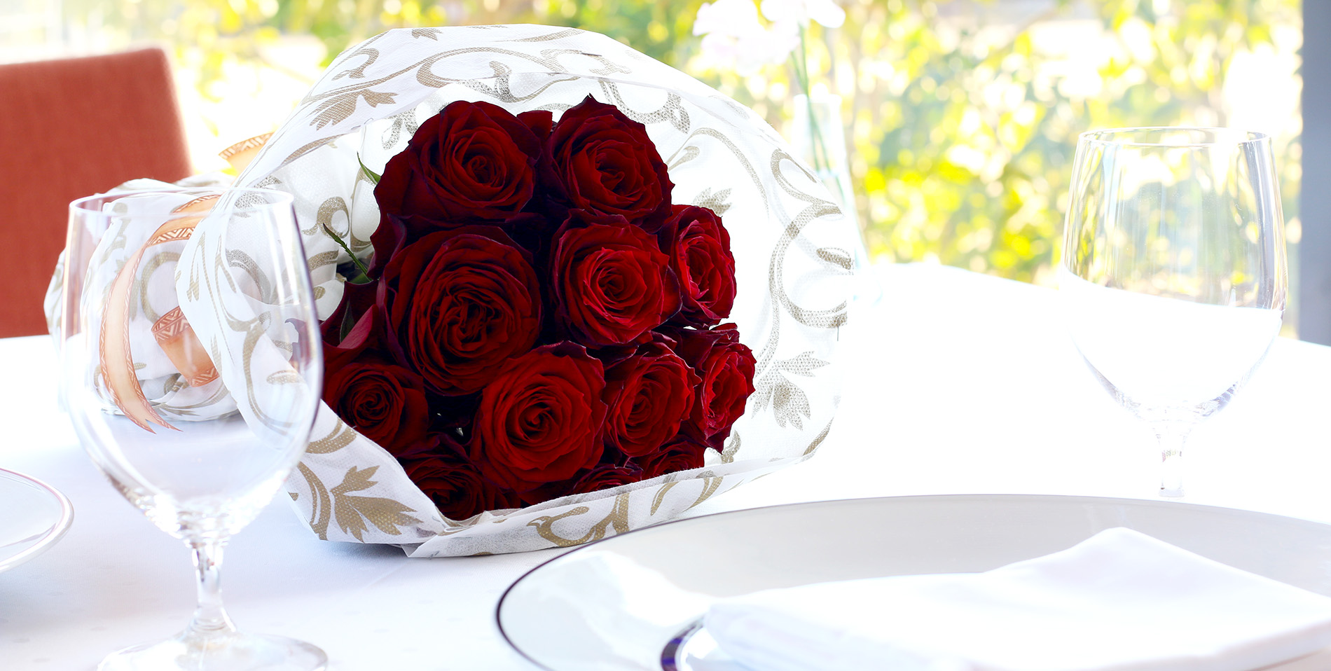 2月14日限定「フラワ ー・バレンタイン・ディナー」~ DOZEN ROSES ~